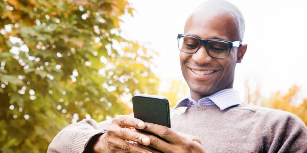 man reviews retirement tips